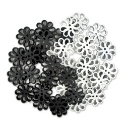 wooden-buttons-black-white-flowers